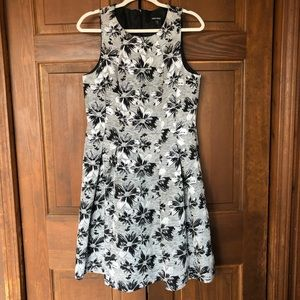 NINE WEST METALLIC FLORAL SLEEVELESS CAREER DRESS